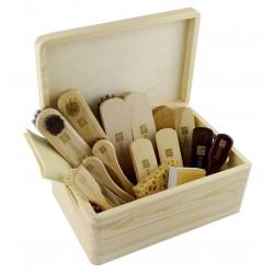 Zestaw 17el. szczotek do pielęgnacji obuwia,  twarde drewno bukowe +100% końskie włosie lub 100% szczecina, drewniana skrzynia