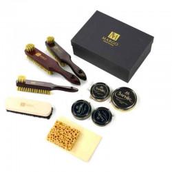 Zestaw szczotek z mazakami, ściereczka, gąbka, pasty i tłuszcz do butów w prezentowym pudełku